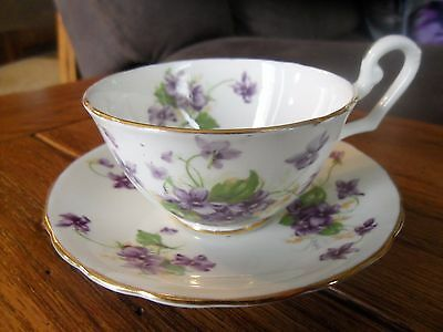"""VTG """"Clarence"""" Bone China Violet Flowers Tea Cup and Saucer with Gold Trim"""