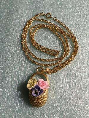 VINTAGE BoHo FLORAL, FLOWERS in a BASKET GOLD-TONE NECKLACE PENDANT SO CUTE