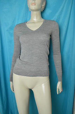 pull fin gris taille XS marque UNIQLO pure laine vierge