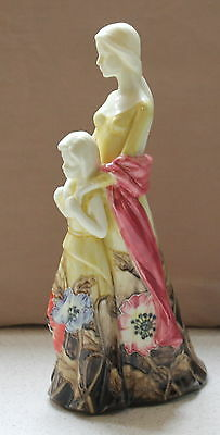 OLD TUPTON WARE MOTHER & CHILD Floral FIGURINE No 010256