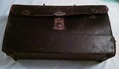 VINTAGE K line MEDICAL / DOCTOR'S BLACK LEATHER BAG Metal Compartments