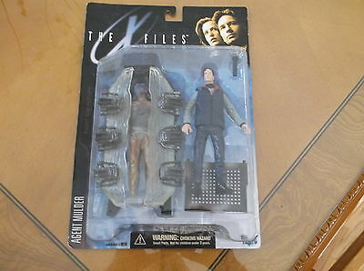 1998 The X-Files Series 1 Agent Fox Mulder Action Figure MINT IN BOX MCFARLANE