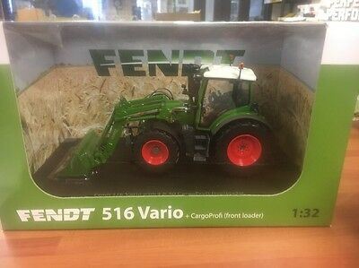 Fendt 516 Vario With Front Loader Universal Hobbies Scale 1/32 Toy Tractor