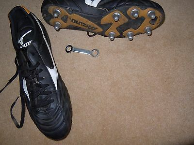 MIZUNO Black/White Rugby Boots Size 12/47.5
