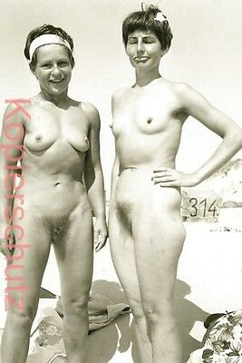Aktfoto ++ 2 FRAUEN - 2 GIRLS TOGETHER ++ Bild 15 Erotik Nude Vintage 60er 70er