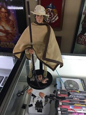 Star Wars~Ep-Iv~Luke Skywalker~Sixth Scale Figure~Exclusive~Sideshow