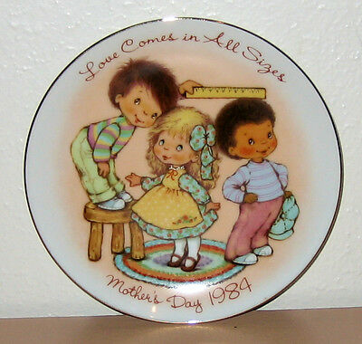 """1984 MOTHER'S DAY COLLECTIBLE 5'' PLATE """"Love Comes in all sizes"""" Miniature Mom"""