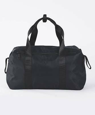 Lululemon Fast Track Duffel BLK Black NWT Gym Workout Bag
