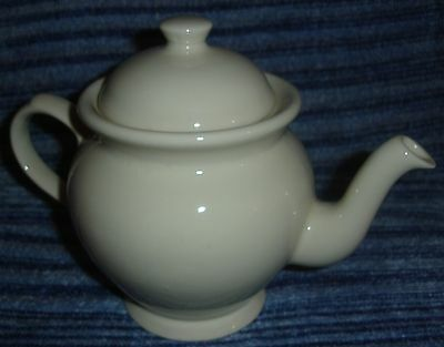 Elegant Smart Plain Cream Ware Victorian 1869 Pottery Large Tea Pot Kitchen Chic