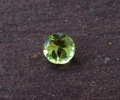 1 Pc Round Cut Shape Natural Peridot 4Mm Faceted Loose Gemstone