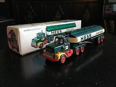 Vintage Hess Fuel Oil Tanker Truck Gasoline Semi Plastic 1/32 Scale Promo Toy