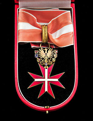 Austrian Decoration of Honor for Services to the Republic Medal in box