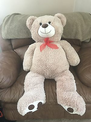 Giant Stuffed Bear By KELLTOY.  MINT CONDITION