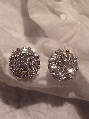 Beautiful 18ct White Gold Diamond Cluster Earrings