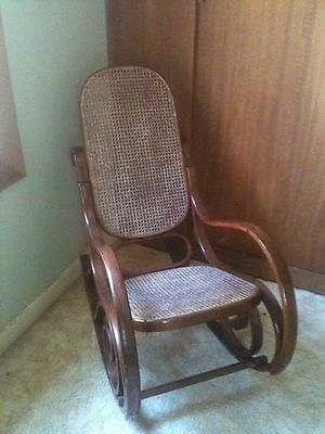 Vintage Bent Wood Rocker Rocking Chair  ,Good Condition