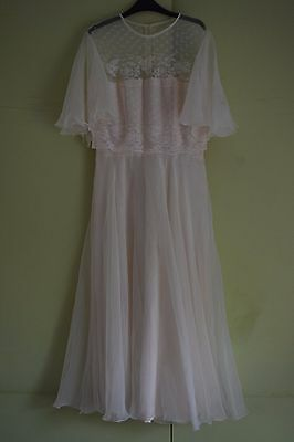 Beautiful 50s  Lace Vintage Wedding Dress Size12