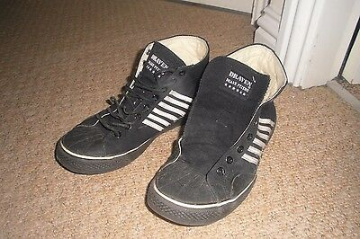 duane peters rare black skate shoes/trainers ..worn size 6