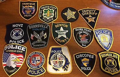 Lot of 30 police patches 2