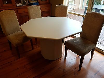 Octagonal retro dining table and chairs o aud 1000 for Retro dining table and chairs australia