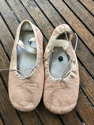 GIRLS Leather ballet shoes / slippers - size 2.5