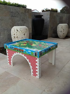 Quality Large Thomas The Tank Engine Play Table - VGC