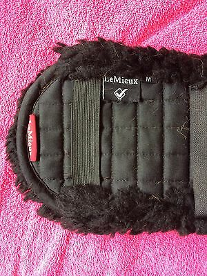 Le mieux Lambswool Dressage Girth Sleeve