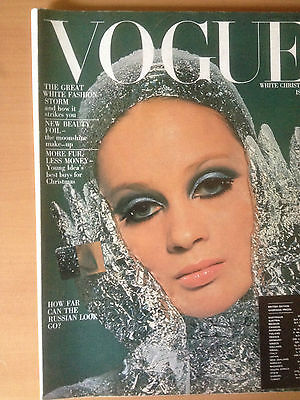 "VOGUE US  December 1966 ""WHITE CHRISTMAS"" Collection Vintage Mode"
