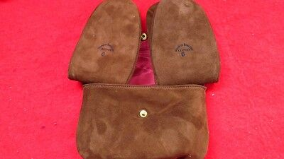 VINTAGE 1970 80s LEATHER TRAVEL HOTEL SLIPPER IN MATCHING CASE Size 6