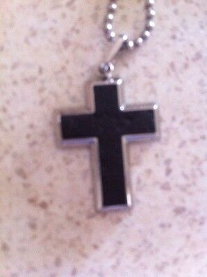 L@@k - Stainless Steel Cross with chain