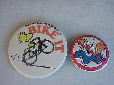 Vintage LOT - PEANUTS SNOOPY WOODSTOCK BUTTON PIN & 1983 No Bozo Button Pin