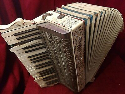 Vintage Pre-War Piano Accordion Paolo Soprani LMM 41/120 FOR PARTS OR REPAIR