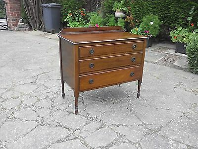 chest of drawers: Lovely vintage solid made three drawer chest, turned legs