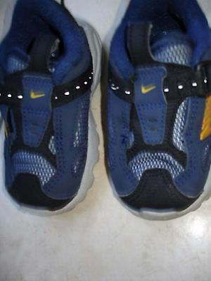 Chaussure Basket Nike  Tbe Taille 20