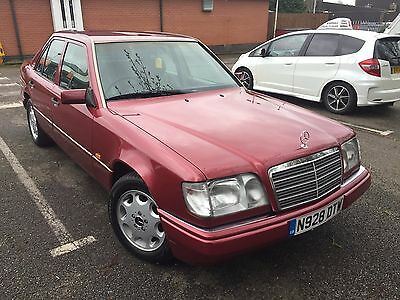 Lovely Mercedes W124 E220 Auto saloon, ultra-low miles, high spec, RUST-FREE !!!