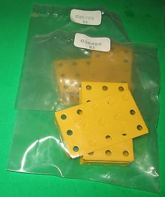 """MECCANO NEW PARTS DEALERS SEALED PACK of FLANGED PLATES 2-1/2"""" x 1-1/2"""""""