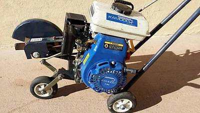 lawn edger 4 stroke petrol 2.5HP Kamodo excellent condition starts very easily