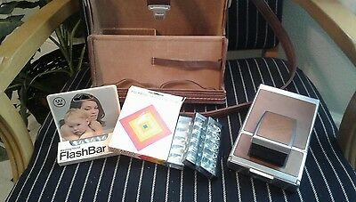 Vintage Polaroid Sx-70 Land Camera With Carry Case