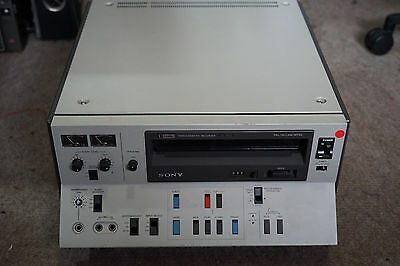 Sony Umatic Videocassette Recorder VO-5630 and tapes