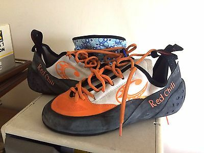 RED CHILLI Rock Climbing Shoes & Chalk Bag - Size 8 (42)