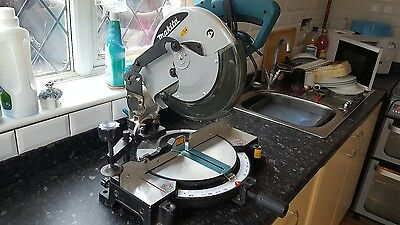 """Makita MLS100 255mm 10"""" Compound Mitre Saw 110V - Includes TCT Blade"""