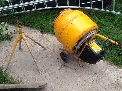 Cement Mixer 3pin House Hold Plug 240v Master Mix Mc130