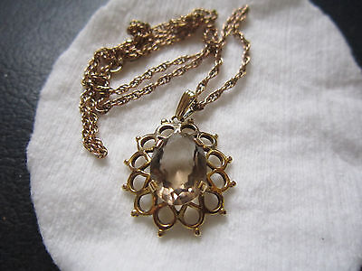 9ct hallmarked chain and pendant