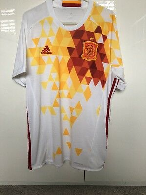 Mens Adidas Spain Football Shirt Size Large