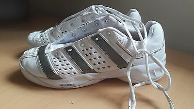 Adidas court stabil badminton shoes UK 6.5