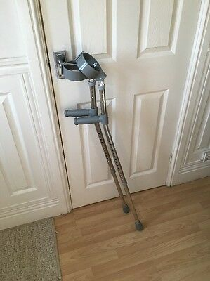 One Set Of Crutches Medium