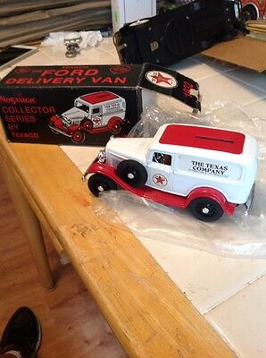 TEXACO 1932 Ford Delivery Van Limited Edition #3 Bank with Key