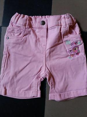short c&a  fille taille 1an