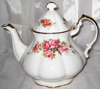 Paragon - ELIZABETH ROSE - Large Teapot