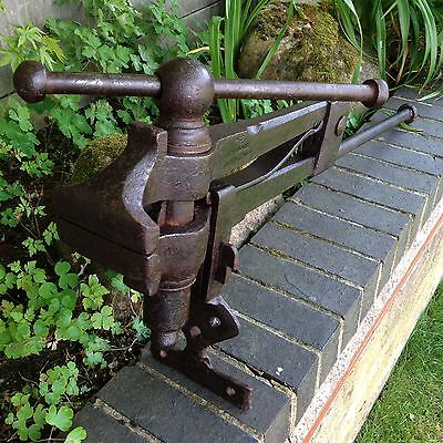 Vintage Blacksmiths Leg Vice Old Working Heavy Antique Architectural Reclaimed