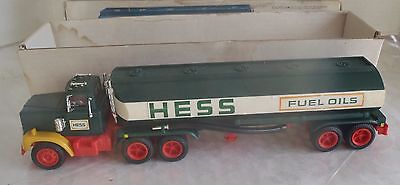 Vintage 1977 Hess Tanker toy truck w box